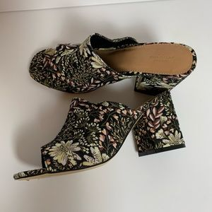 URBAN OUTFITTERS Floral Block Heel Mules